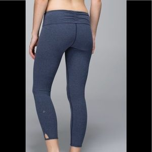 Lululemon Dhanurasana Yoga Crop II Heathered Blue